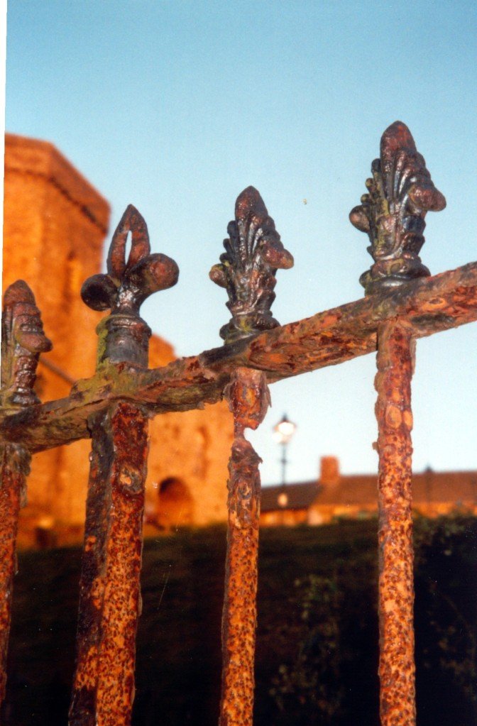 Sadler Garden Collections - Fence Around the World